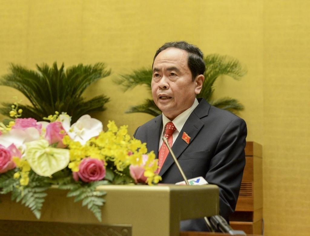 Phó Chủ tịch Thường trực Quốc hội Trần Thanh Mẫn trình bày báo cáo tại kỳ họp