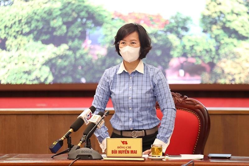 Trưởng ban Tuyên giáo Thành uỷ Bùi Huyền Mai phát biểu tại cuộc họp
