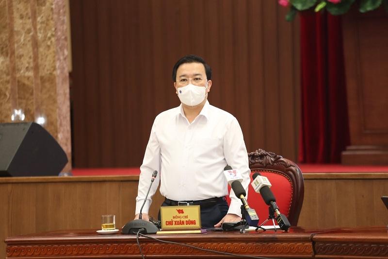 Phó Chủ tịch UBND Thành phố Chử Xuân Dũng phát biểu tại cuộc họp