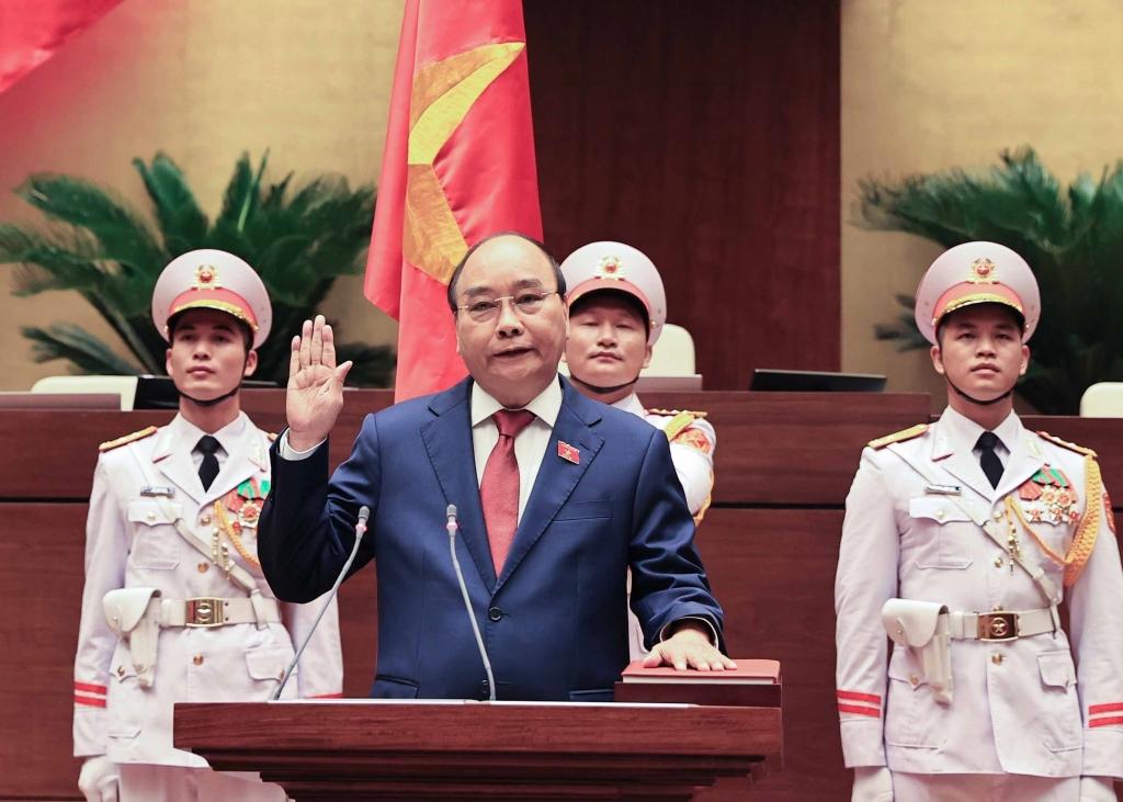 Chủ tịch nước Nguyễn Xuân Phúc tuyên thệ trước Quốc hội