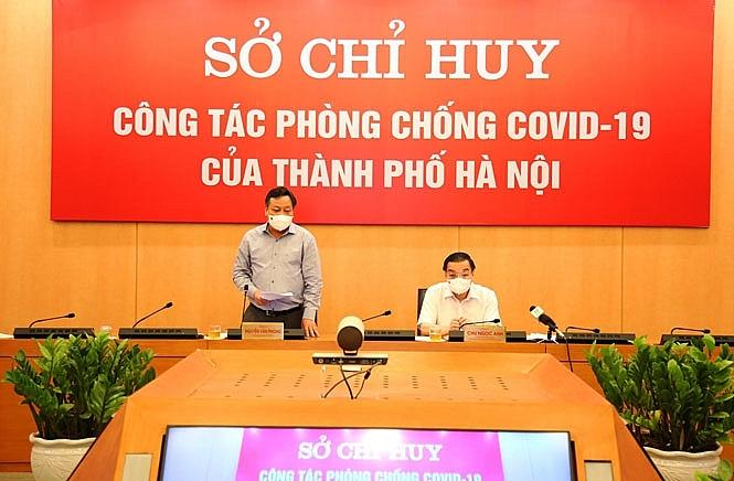 Phó Bí thư Thành ủy Hà Nội Nguyễn Văn Phong phát biểu tại cuộc họp
