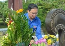 Tuổi trẻ Thủ đô dâng hương tưởng nhớ các anh hùng liệt sĩ tại Quảng Trị