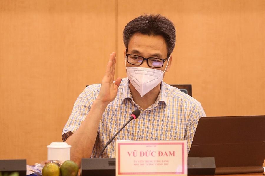 Phó Thủ tướng Vũ Đức Đam phát biểu tại buổi làm việc với Sở Chỉ huy công tác phòng chống dịch bệnh Covid-19 Hà Nội