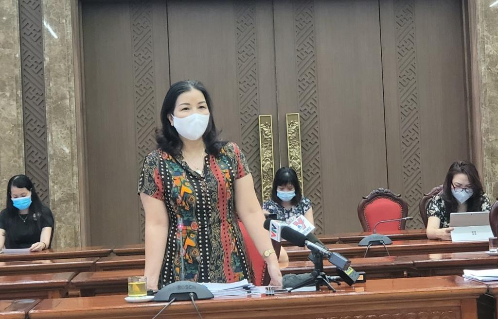 Quyền Giám đốc Sở Công thương Trần Thị Phương Lan thông tin tại buổi họp báo