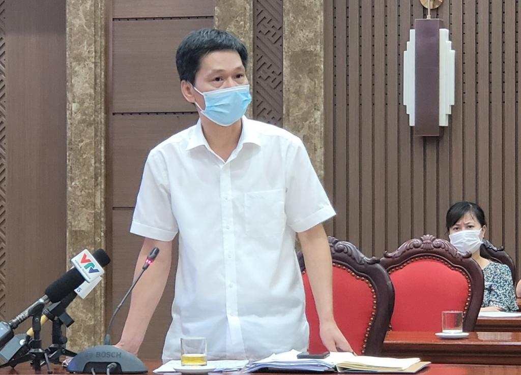 Phó Giám đốc Sở Y tế Hà Nội Vũ Cao Cương phát biểu tại cuộc họp báo