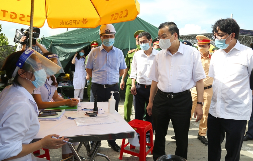 Chủ tịch UBND thành phố Chu Ngọc Anh kiểm tra công tác phòng, chống dịch Covid-19.