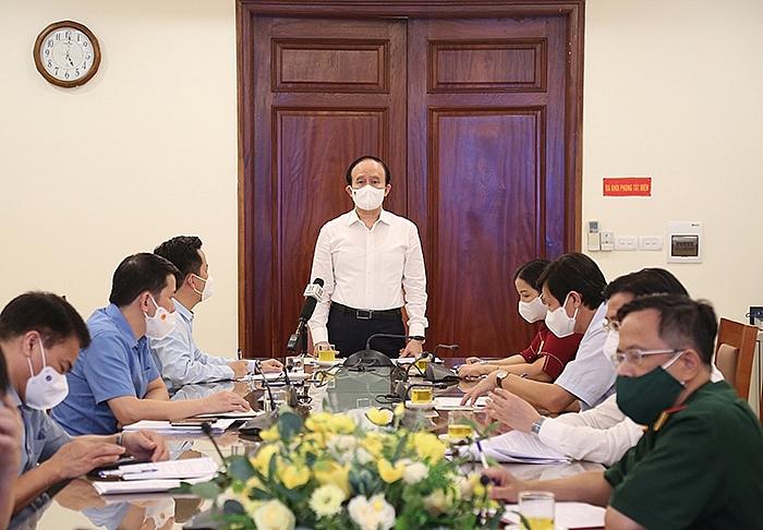 Đồng chí Nguyễn Ngọc Tuấn phát biểu chỉ đạo tại buổi làm việc với lãnh đạo quận Hoàn Kiếm