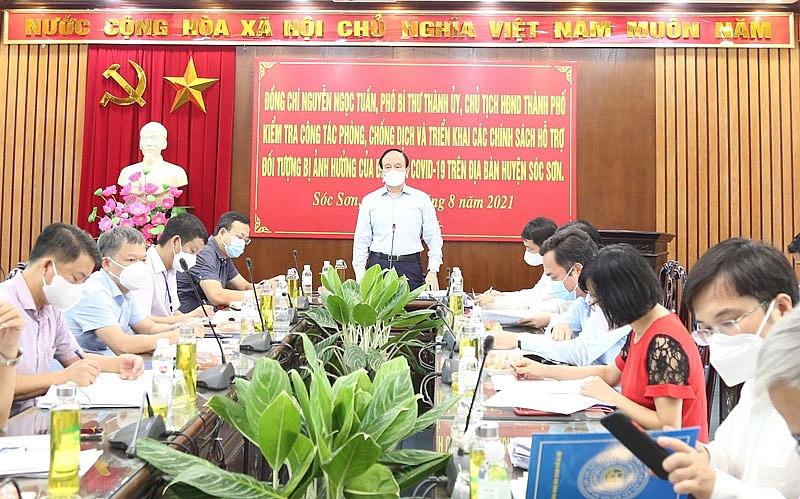 Chủ tịch HĐND thành phố Nguyễn Ngọc Tuấn làm việc với huyện Sóc Sơn về công tác phòng, chống dịch Covid-19.