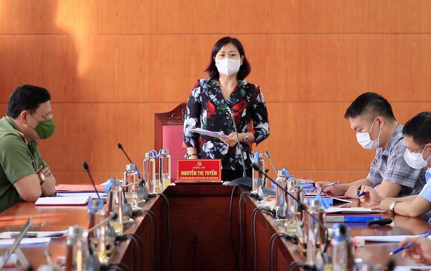 Phó Bí thư Thường trực Thành ủy Hà Nội Nguyễn Thị Tuyến phát biểu tại buổi kiểm tra công tác phòng, chống dịch Covid-19 tại huyện Mê Linh