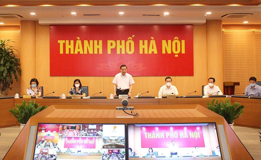 Chủ tịch UBND thành phố Hà Nội Chu Ngọc Anh phát biểu tại điểm cầu thành phố Hà Nội.
