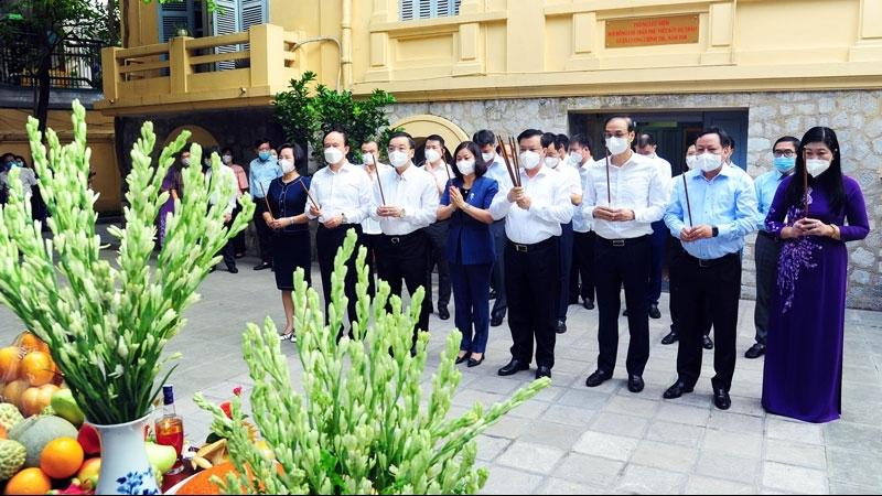 Lãnh đạo thành phố Hà Nội dâng hương tưởng niệm Tổng Bí thư Trần Phú