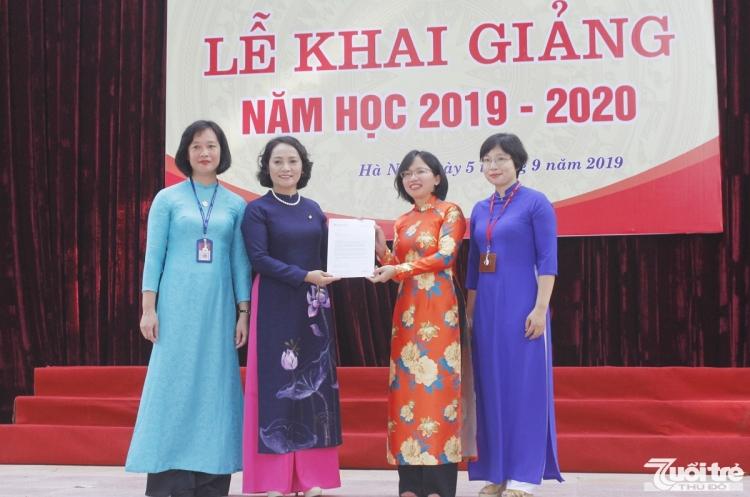 gan 2000 hoc sinh truong buoi chu van an han hoan chao nam hoc moi