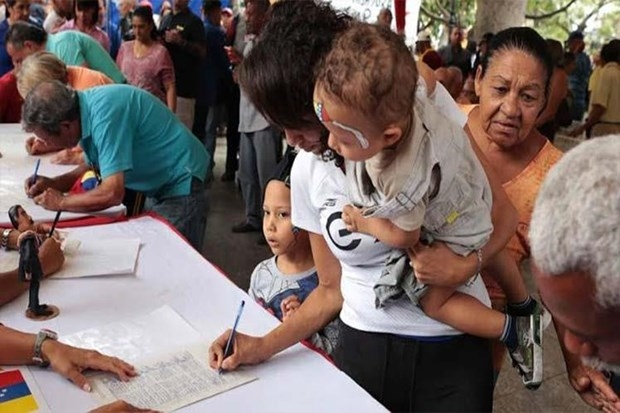 venezuela tiep tuc chien dich phan doi cac bien phap trung phat cua my