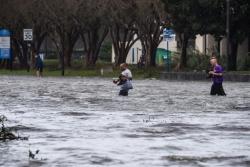 Tin bão mới nhất: Lũ lụt lịch sử và tàn phá kinh hoàng sau bão Sally
