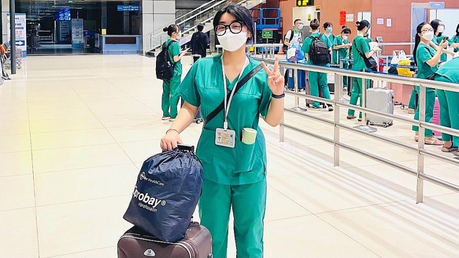 cán bộ, giảng viên trường Cao đẳng Y tế Bạch Mai đã xuất phát từ Hà Nội đến các tỉnh tâm dịch miền Nam