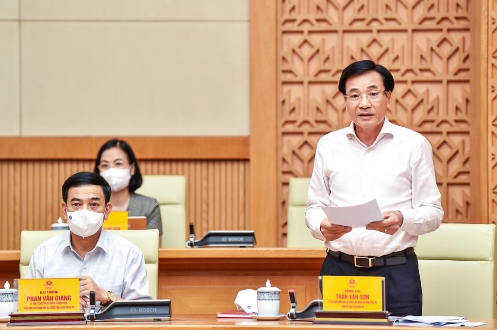 Bộ trưởng, Chủ nhiệm Văn phòng Chính phủ Trần Văn Sơn phát biểu tại cuộc họp. Ảnh: VGP/Nhật Bắc