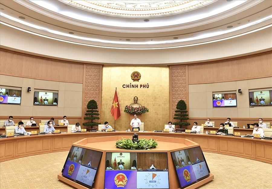 Thủ tướng Chính phủ Phạm Minh Chính chủ trì phiên họp Chính phủ thường kỳ tháng 8.2021. Ảnh Nhật Bắc