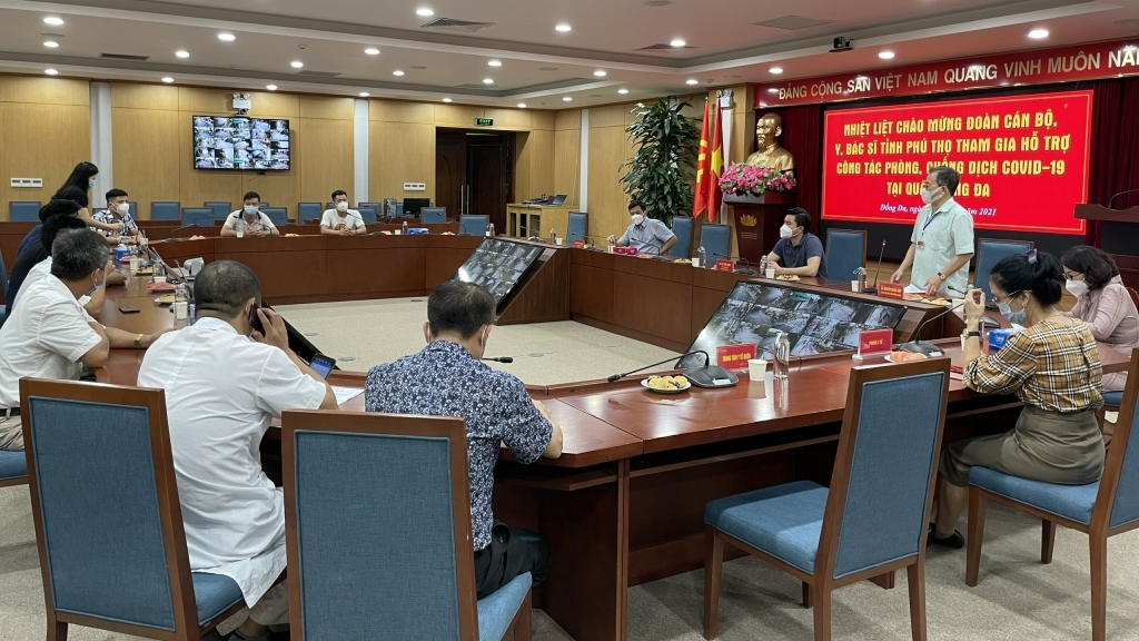 Gần 300 y, bác sỹ của tỉnh Phú Thọ tham gia hỗ trợ phòng, chống dịch Covid-19 tại quận Đống Đa
