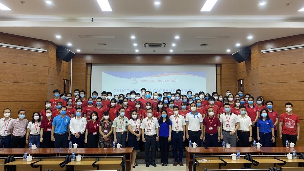 Đại học Y Hà Nội xuất quân đội hình tình nguyện hỗ trợ chống dịch Covid-19