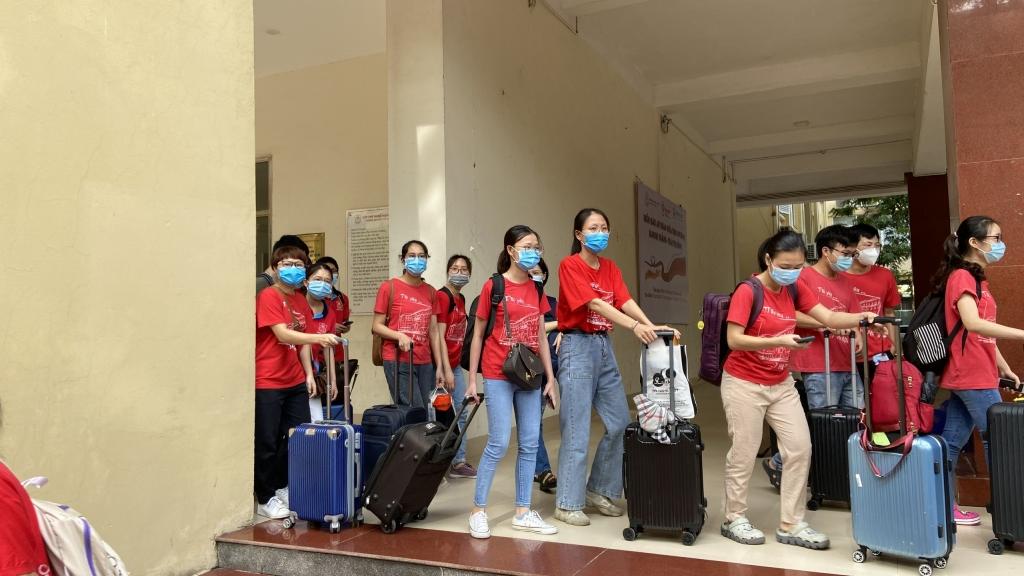 Hàng ngàn bạn trẻ Thủ đô xuất quân đội hình tình nguyện hỗ trợ chống dịch Covid-19