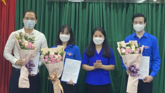 Trao quyết định bổ nhiệm các Trưởng, Phó ban Thành đoàn Hà Nội