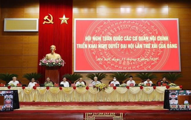 Tổng Bí thư Nguyễn Phú Trọng chủ trì hội nghị. (Ảnh: Trí Dũng/TTXVN)
