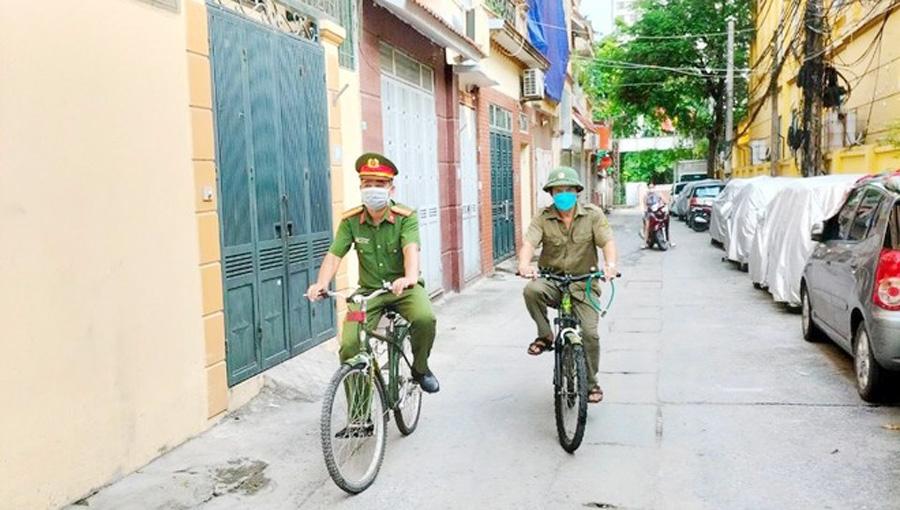 Loa tuyên truyền trên xe đạp - nhân lên cách làm hay trong cuộc chiến chống đại dịch