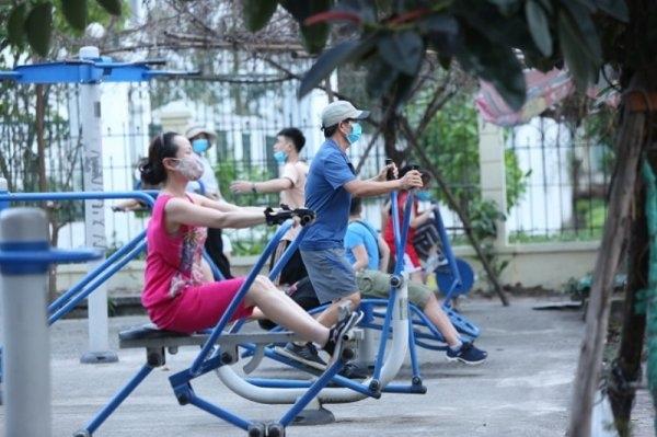 Hà Nội cho phép thể dục thể thao ngoài trời, không tụ tập quá 10 người