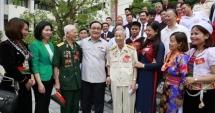 Lãnh đạo TP Hà Nội gặp mặt 50 đại biểu dân tộc thiểu số tiêu biểu