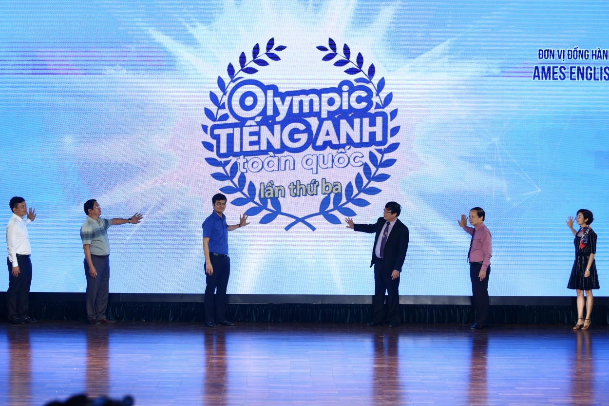 hoc sinh sinh vien thi olympic tieng anh chinh phuc ielts