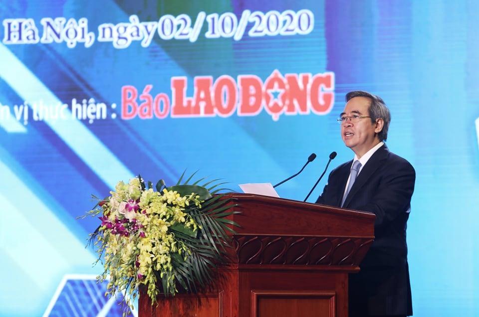 Thủ tướng Chính phủ tặng bằng khen cho 8 doanh nghiệp tiêu biểu vì người lao động