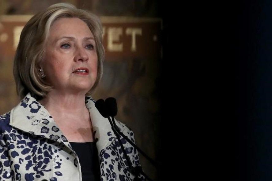 Bà Hillary Clinton góp 1 phiếu đại cử tri cho ông Biden làm tổng thống Mỹ