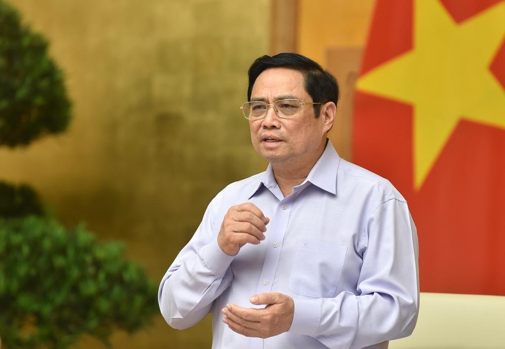 Thủ tướng yêu cầu tập trung phòng, chống dịch, đẩy mạnh giải ngân vốn đầu tư công