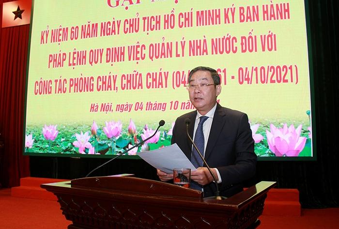 Phó Chủ tịch Thường trực UBND Thành phố Lê Hồng Sơn phát biểu tại buổi gặp mặt