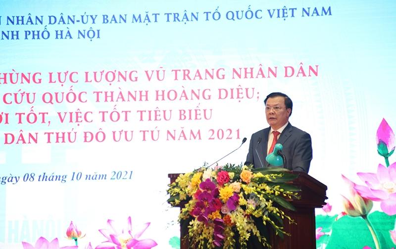 Bí thư Thành ủy Hà Nội Đinh Tiến Dũng phát biểu khai mạc tại buổi lễ.