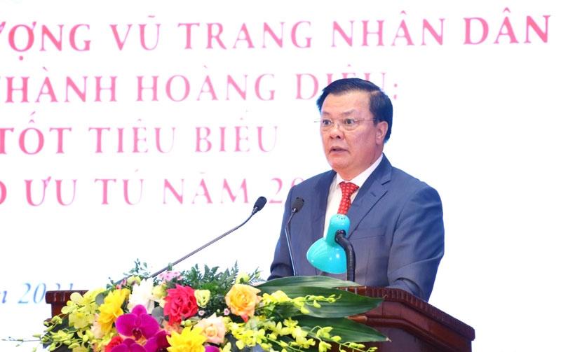 Bí thư Thành ủy Đinh Tiến Dũng phát biểu tại buổi lễ