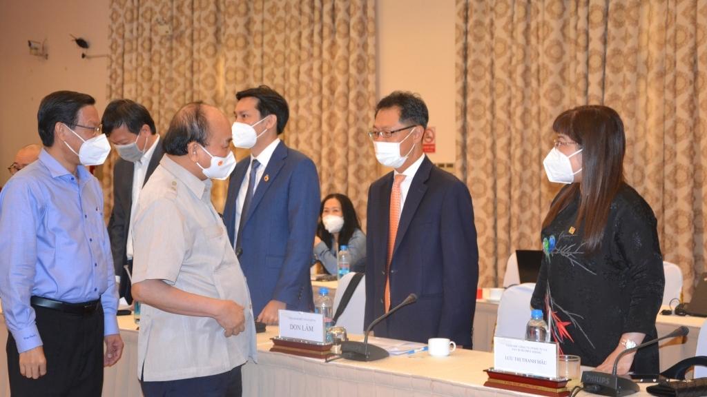 Chủ tịch nước Nguyễn Xuân Phúc: Doanh nghiệp là rường cột của quốc gia