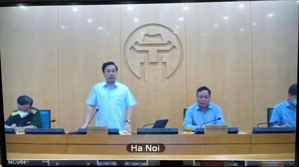 Phó Chủ tịch UBND TP Chử Xuân Dũng phát biểu tại buổi giao ban