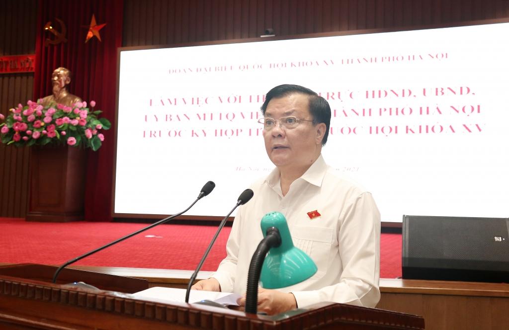 Bí thư Thành ủy Đinh Tiến Dũng phát biểu tại buổi làm việc