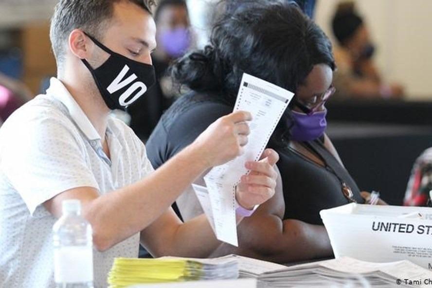 Bang Georgia mở cuộc điều tra vụ hoãn kiểm phiếu bầu cử Mỹ do ngập lụt