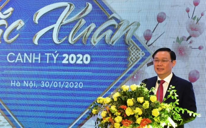 chinh phu se tang von dieu le 10000 ty cho vietcombank va vietinbank