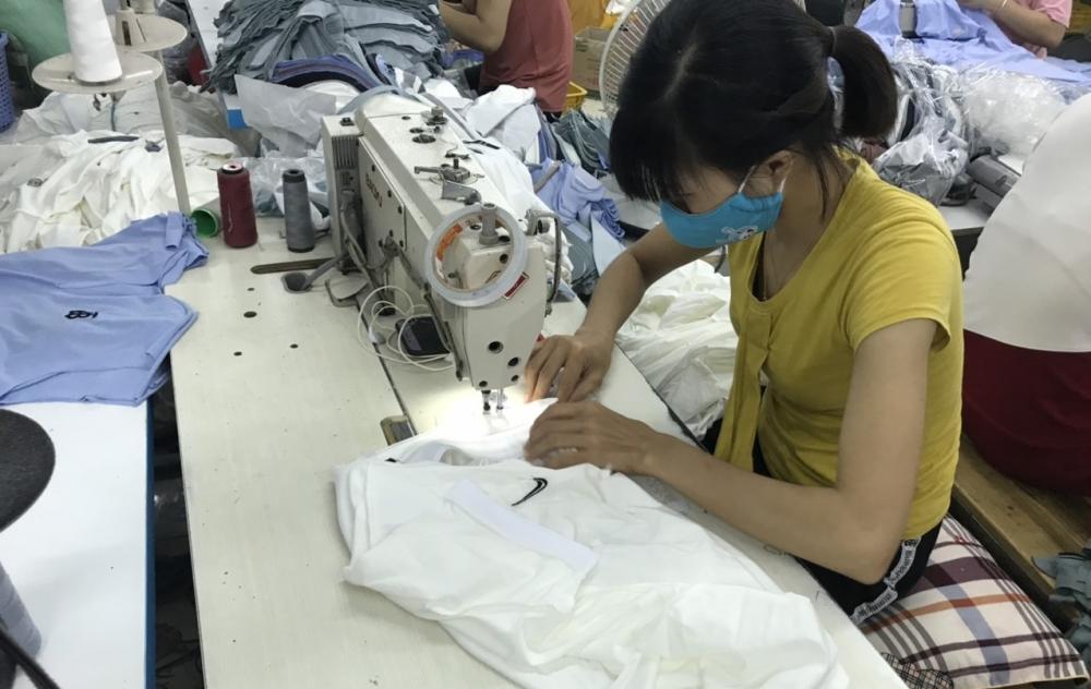 Công ty may ở Hải Dương sản xuất áo giả hàng hiệu Gucci, Adidas