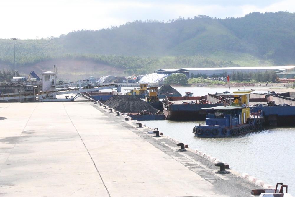 Thủ tướng yêu cầu nghiên cứu kiến nghị giảm nhập khẩu than
