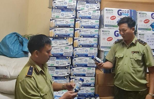 Hàng nghìn chai sữa Ensure có dấu hiệu nhập lậu