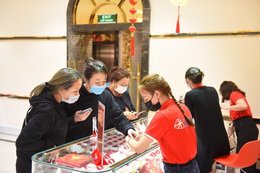 Tập đoàn DOJI tăng cường các biện pháp phòng chống dịch cho khách hàng dịp Thần Tài