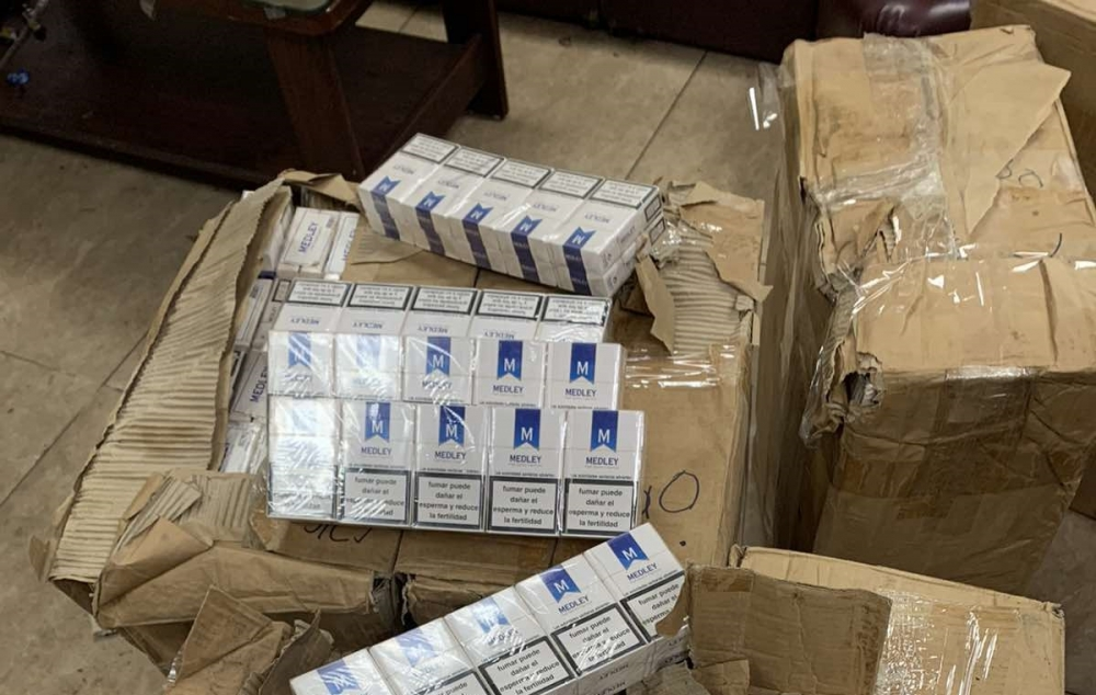 Hơn 10.000 bao thuốc lá trên chuyến bay từ Dubai về Nội Bài