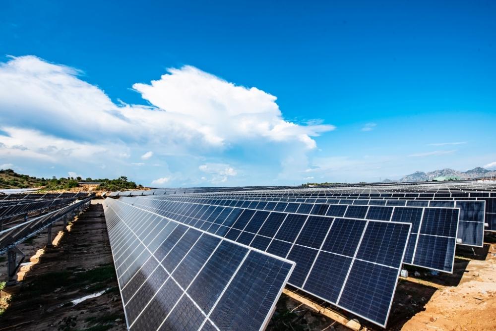 Bộ Công thương: Cắt giảm nhà máy điện tái tạo là bắt buộc do