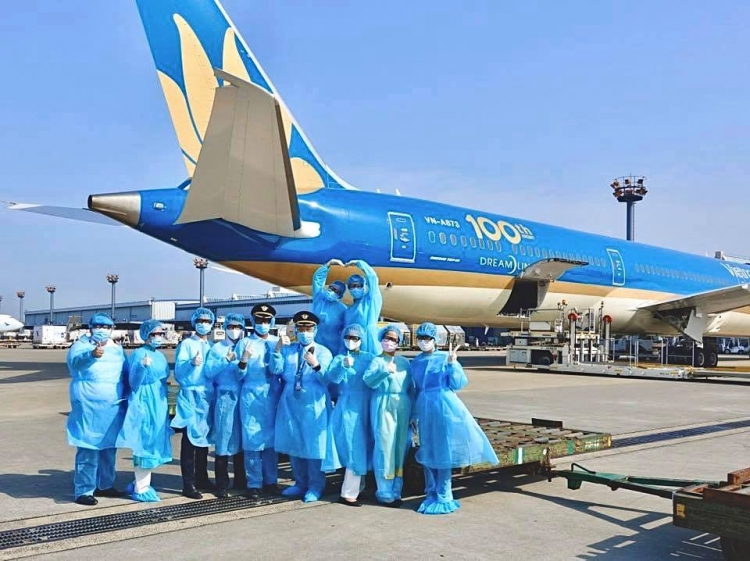 lao dao vi covid 19 ceo vietnam airlines viet tam thu gui nguoi lao dong