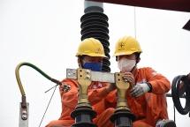 Bộ Tài chính: EVN giảm giá điện nhưng không được gây áp lực tăng năm sau