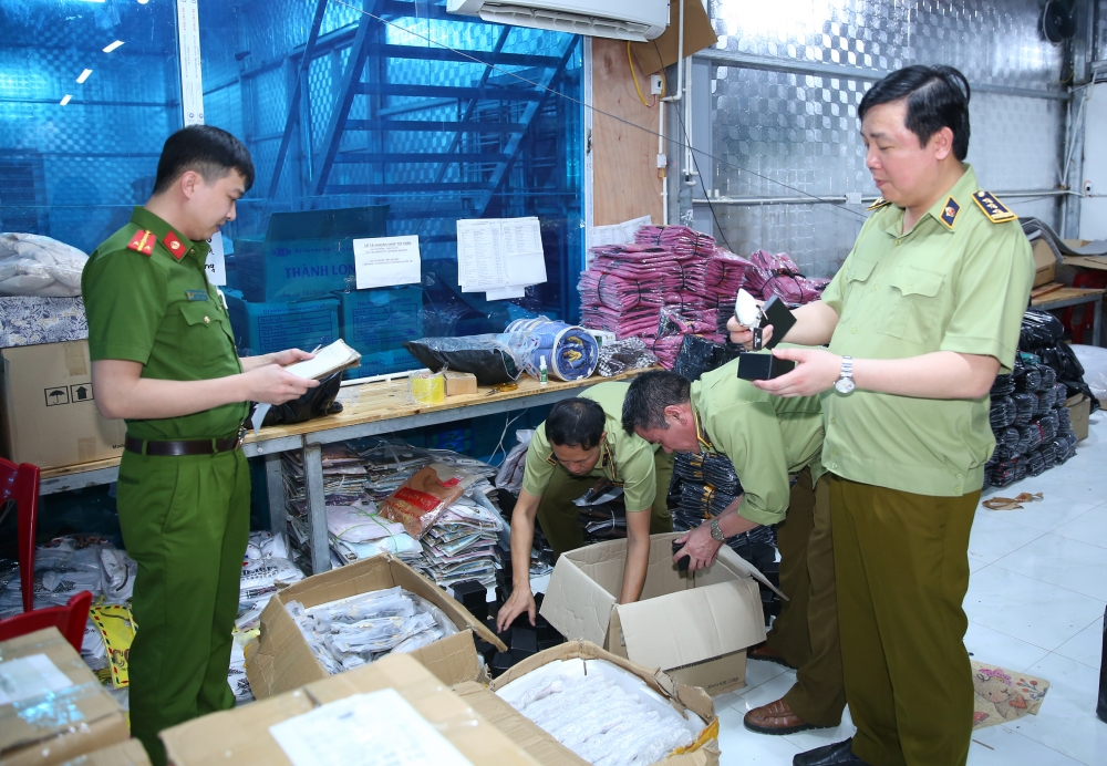 Truy quét kho hàng giả, hàng nhái lớn nhất từ trước đến nay tại Ninh Bình